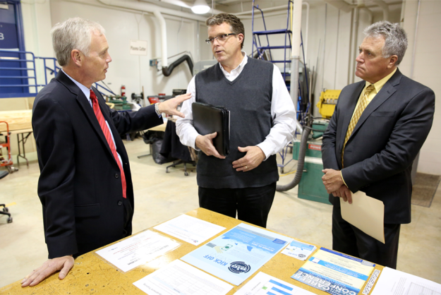 Sen. Ron Johnson Visits UW-Stout